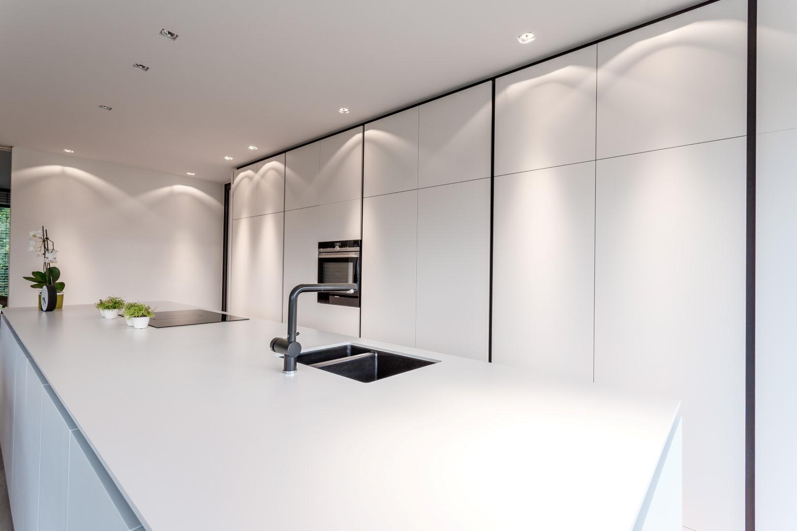 Inrichting van de keuken en de eetkamer