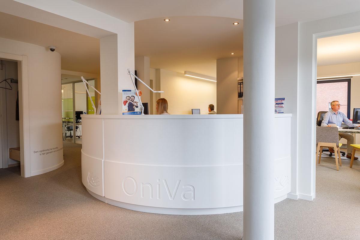 De inrichting van een verzekeringskantoor in zonhoven for Driedee interieur zonhoven